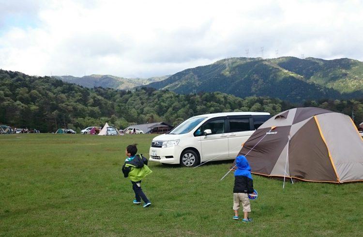 マキノ高原キャンプ場の膠原サイトに設営完了