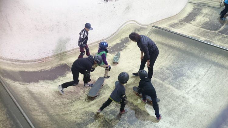 スケートスクール前の準備運動