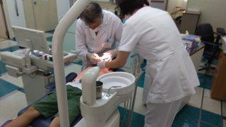 救急外来で歯の接着