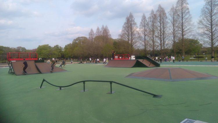 庄内緑地公園スケートパークセクションエリアの変形レール